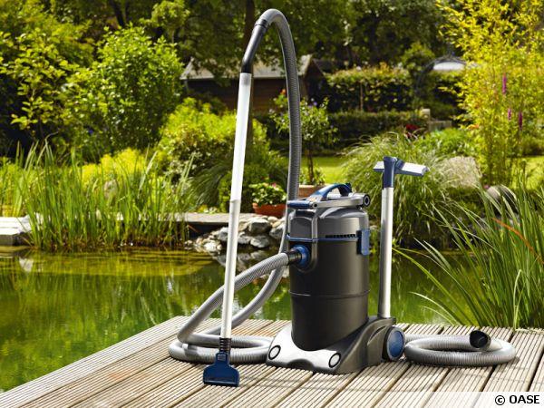 Oase aspirateur pour piscines et bassins de baignade for Aspirateur piscine maison