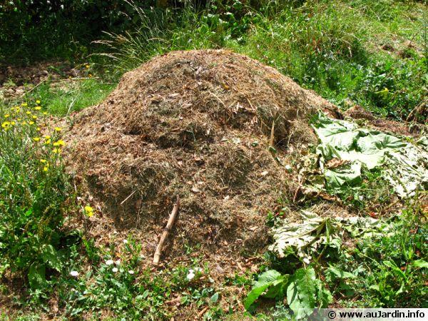 Le compostage en tas. Compost-en-tas-600x450