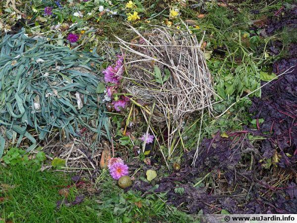 Le compostage de surface constitue une solution de choix comme paillage pendant l'hiver ou entre deux cultures