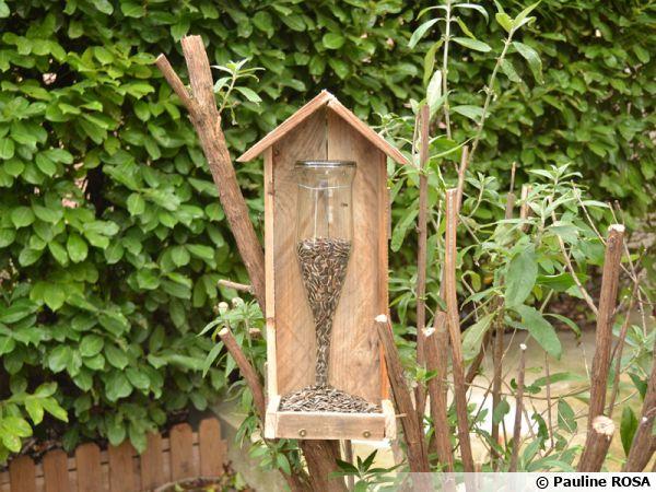 DIYUne mangeoire pour oiseaux en bois de palette