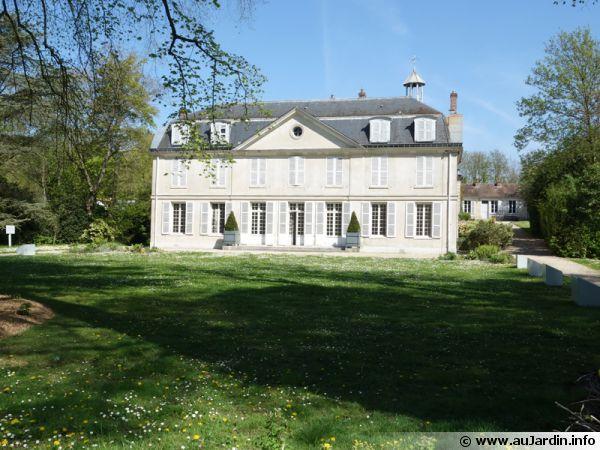 Le château du domaine de Montauger