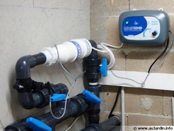 Électrolyseur au sel en place sur un by-pass pour une piscine de 60m3