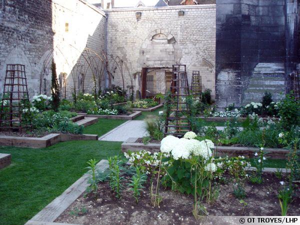 Le jardin des Innocents à Troyes