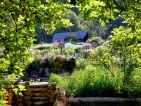 Les jardins écologiques de Terre Vivante en juin