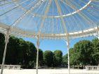 Le parc des sources à Vichy vu depuis la marquise du palais des congrès-Opéra