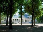 Le palais des congrés-opéra dans le parc des sources à Vichy