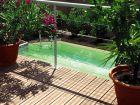 Piscine : que faire si l'eau devient verte ?