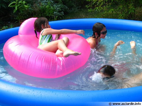 Les piscines hors sol for Piscine hors sol gonflable