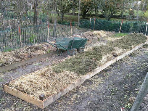 La paille au jardin for Planche potager