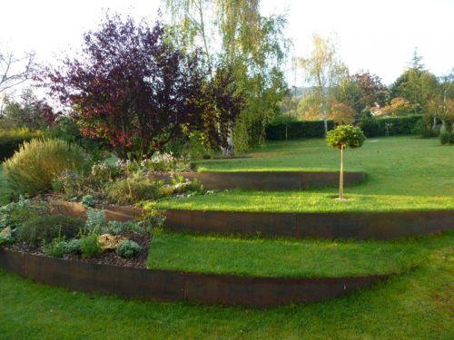 Un relief venu d 39 ailleurs for Calendrier entretien jardin