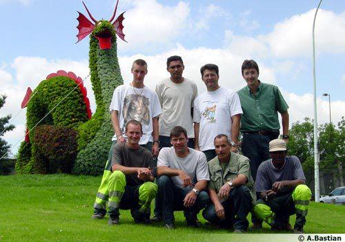 L'équipe responsable du fleurissement de la ville de Meudon dans le 92