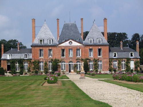 Le château et la roseraie de Mesnil Geoffroy