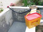 Comment étanchéifier un bassin maçonné? Voilà les deux couches de mortier ont été appliquées