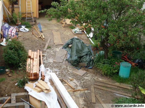 Un jardin pendant un chantier