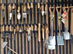Depuis des millénaires des outils pour jardiner