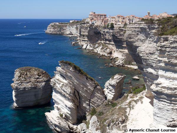 Les falaises de Bonifacio en Corse du sud font partie de la réserve naturelle