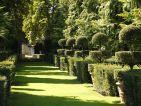 Les jardin du Manoir d'Eyrignac, l'allée des vases