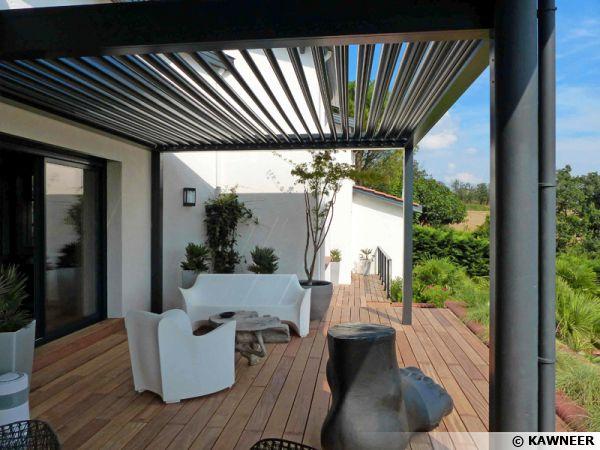 La pergola bioclimatique pour une terrasse design for Pergola verre pour terrasse