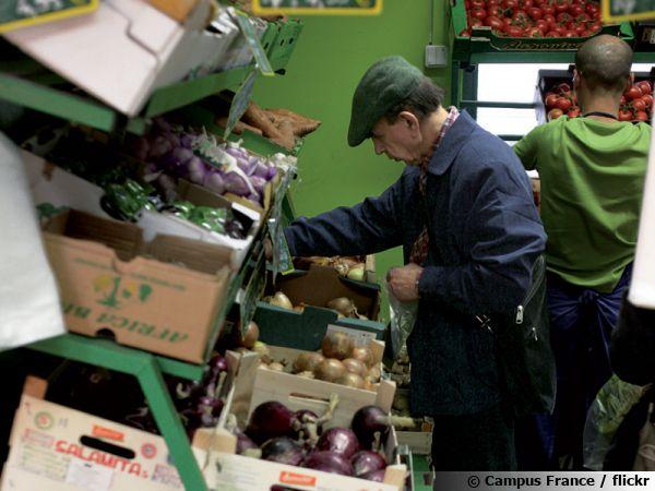 Des légumes primeurs dans les étalages