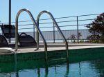 L'échelle de piscine