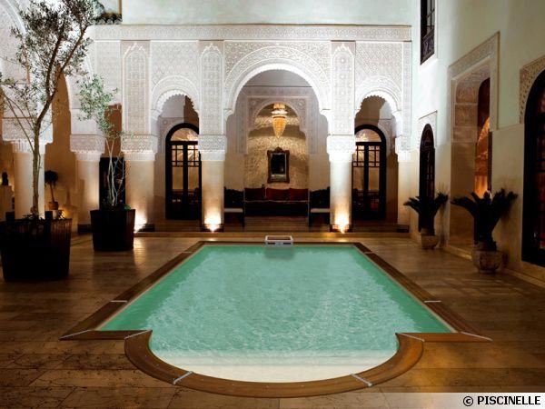Piscine au centre d'un Riad