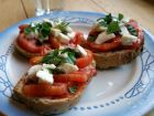 Bruschettas aux tomates et à la mozzarella
