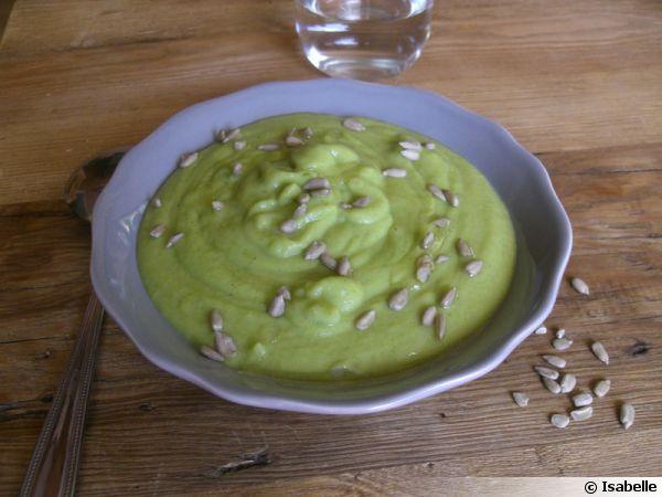 Crème de courgettes aux graines de tournesol