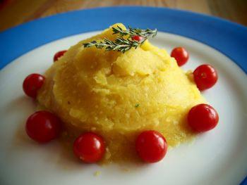 Crème de pommes de terre, courgettes et millet