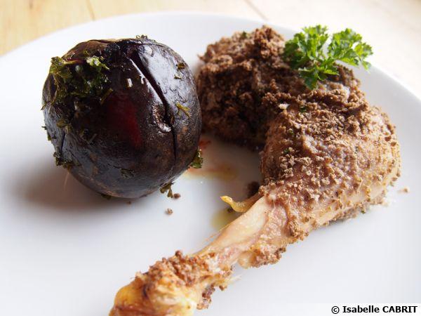 Cuisses de poulet panées au sarrasin et betteraves confites