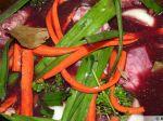 Lapin mariné aux aromatiques et au vin rouge