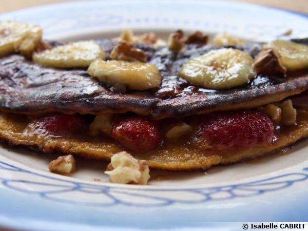 Omelette sucrée, aux fruits et sirop d'érable