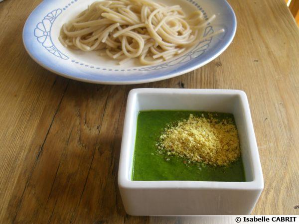 Pesto d'épinard aux amandes et sésame