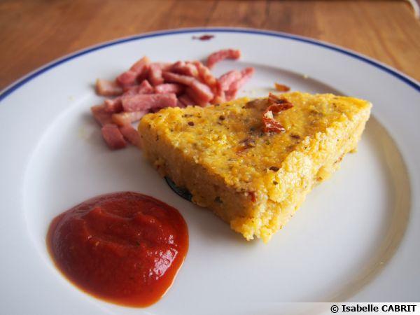 Polenta aux tomates séchées et à l'origan