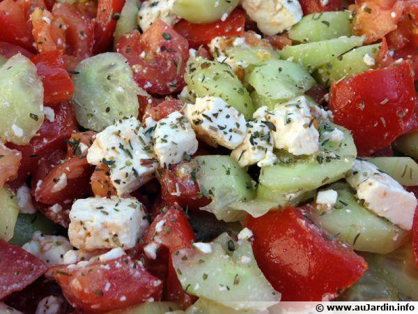 salade concombre tomate f ta recette de cuisine. Black Bedroom Furniture Sets. Home Design Ideas