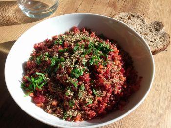 Salade express de betterave et carotte au gomasio