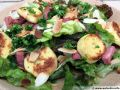 Salade aux quenelles et lardons