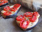 Tranches d'aubergine à la tomate, cuites au four