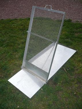 Tamis de jardin pliable oriantable avec réceptacle