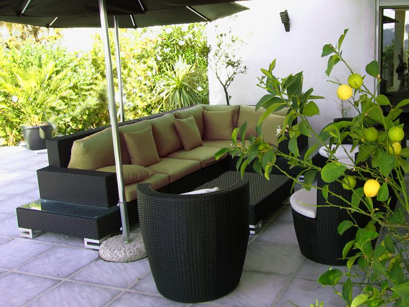 Le mobilier de jardin en résine tressée