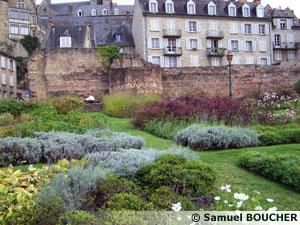 Les jardins du Quai Louis Blanc