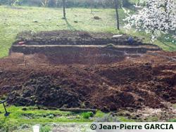 Piscine naturelle: Des tonnes de terre sont déplacées